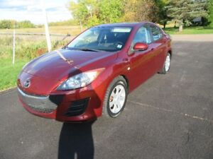 2010  Mazda 3  4 DR AUTO LOADED ONLY 113 KM  INVERY  GOOD  COND