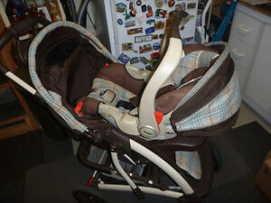 Graco Quattro Tour Stroller & Travelling System West Island Greater Montréal image 8
