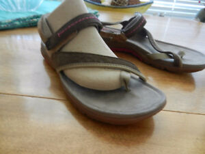 Merrell Albany Post Women's Leather Sandals Size 8