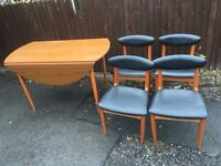 RETRO MODERN TABLE AND 4 CHAIRS ** FREE DROP OFF FRIDAY NIGHT **