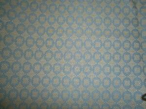 Tissus de recouvrement gris-bleu et ôcre (jaune)