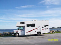 21 Ft Coachman Freedom Express Motor Home