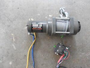 Treuil 3000 lbs , 12 volt