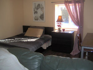 FURNISHED BACHELOR STUDIO APT IN AVONMORE