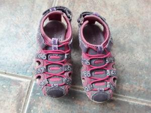 Sandales grandeur 9 pour fille