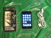 iPod Touch 2nd Gen 8 GB with NEW earbuds and USB cable