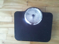 pese personne / balance / weight scale - dernier jour/last day