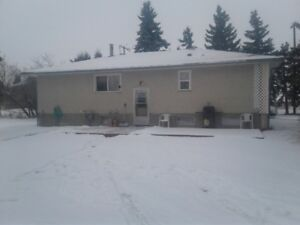 nice secluded 3 bedroom house