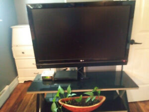 42 inch LG /Smoke glass hanging stand/ Sony dvd player for sale