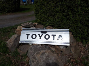Tailgate Toyota 1987