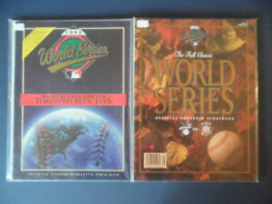TORONTO BLUE JAYS GAME PROGRAMS AND MAGAZINE LOT