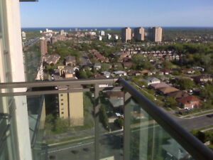 BEAUTIFUL 1 BDRM PLUS DEN WITH STUNNING VIEWS