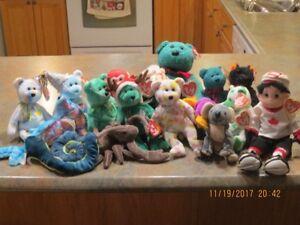 16 Beanie Babies plus 1 Beanie Bopper