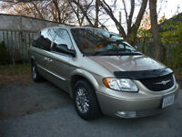 2002 Chrysler Town & Country Limited Minivan, Van