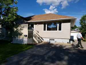 Upstairs for rent 2 bedroom by Candy Cane Park