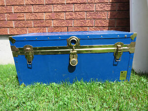 Beautiful Classic Blue Vintage Metal Trunk--Great for blankets!