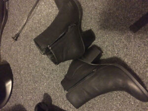BLACK BOOTS FROM BLUENOTES