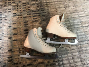 Riedell Girls Figure Skates Size Youth 13-1/2 Model 21