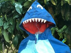 BOYS SHARK RAIN COAT AGE 4-5 YEARS