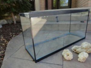 "Hagen Glass Aquarium or Terrarium 35 Gal -36""L x 12.5""W x18"" Kitchener / Waterloo Kitchener Area image 3"