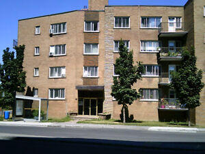 FOR RENT: 3 1/2 and 4 1/2 apartments  in Côte St-Luc $750+