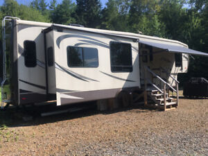 VR (fifth wheel) Big Country 2014, 32 pieds