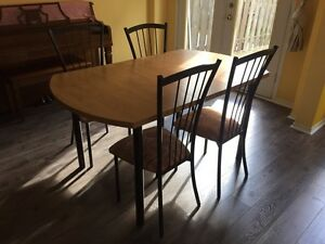 Good addition 5 pc Dining table set