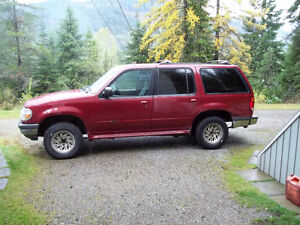 1998 Ford Explorer SUV, Crossover