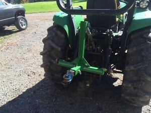 Hitch for tractor
