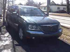 2004 Chrysler Pacifica Familiale
