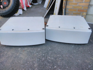 Pedestals for washer and dryer. 27 x 26