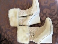 Guess boots size 8 brand new !!