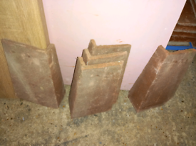 Marley External Angle Tile Concrete Left Hand Dark Red 90°