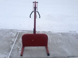 """========== 28"""" Adjustable Snowmobile Track Lift Stand =========="""