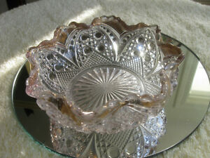 SIMPLY DELIGHTFUL OLD VINTAGE CLEAR GLASS SAUCE DISH