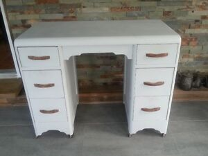 pupitre, bureau, commode