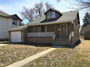 Location, Character & Space in this SW Home - Portage la Prairie