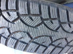 4 Altimax Arctic Tires in Excellent Condition Size 215 70 R 16""