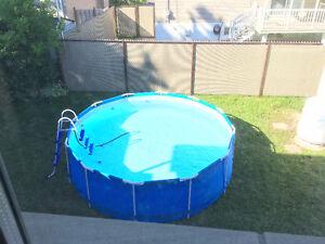 piscine hors terre 12 pieds, avec équipements complets