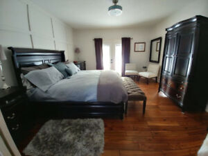 Magnussen Home Joplin Island Bedroom (King Size) Model