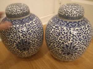 Oriental Porcelain Blue and White Floral Rice Pot