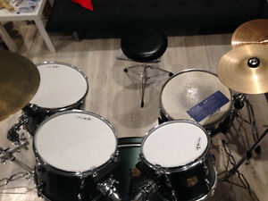 Pearl Export drum set with cymbals