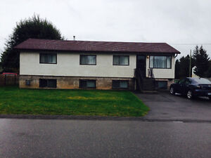 5 BED HOME WITH 2 SUITES FULLY FURN INCLUDES ALL UTILITIES