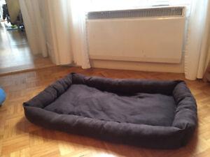 Cage de chien, lit de chien, manteau de chien, clôture de chien