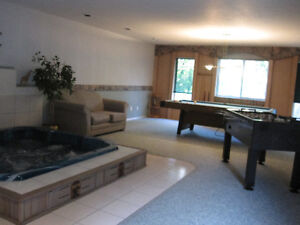 Osoyoos - rooms for rent in 3000 sq' executive lakeside house