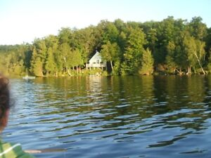 Peaceful Secluded Lakefront Cottage