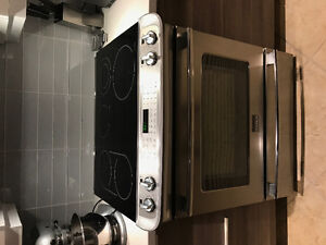 Oven with glass cooktop