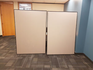 Cubicle wall partitions (x2)