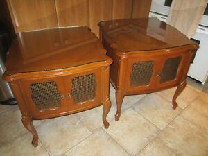 TWO NICE SIDE TABLES West Island Greater Montréal image 1