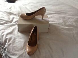 Clarks skin coloured heeled shoes